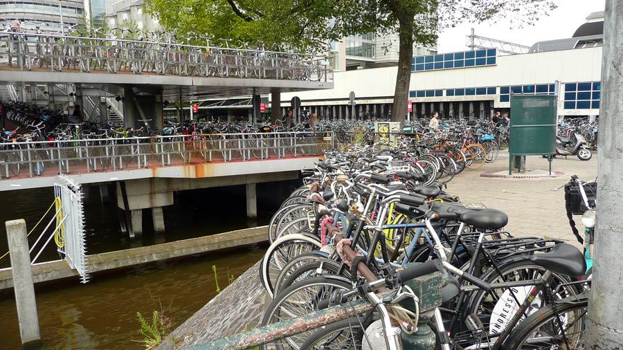 Fahrradabstellplatz bei Amsterdam Centraal