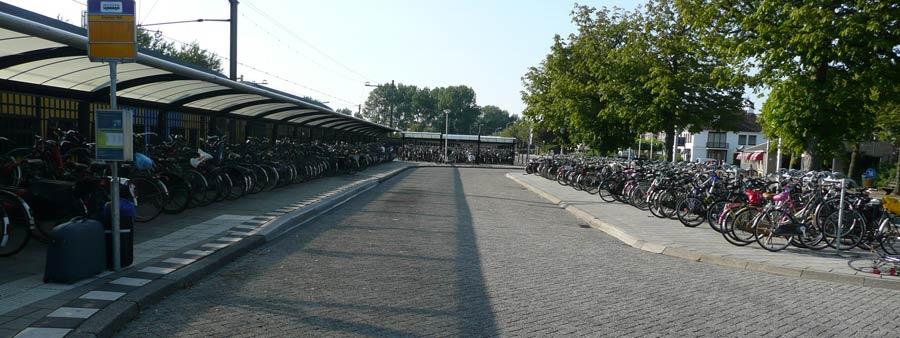 P1090197-radparkplatz