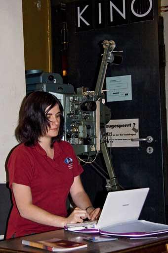 Olivia Haider in ihrer Funktion als Webmasterin des ÖWF